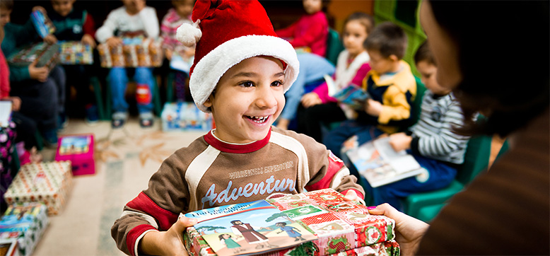 Weihnachten Im Schuhkarton Org.Rossmann Unterstützt Die Aktion Weihnachten Im Schuhkarton